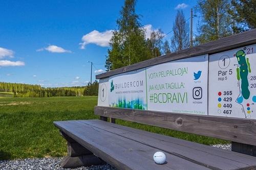 Revontuli Golf Buildercomin nimikkoväylä